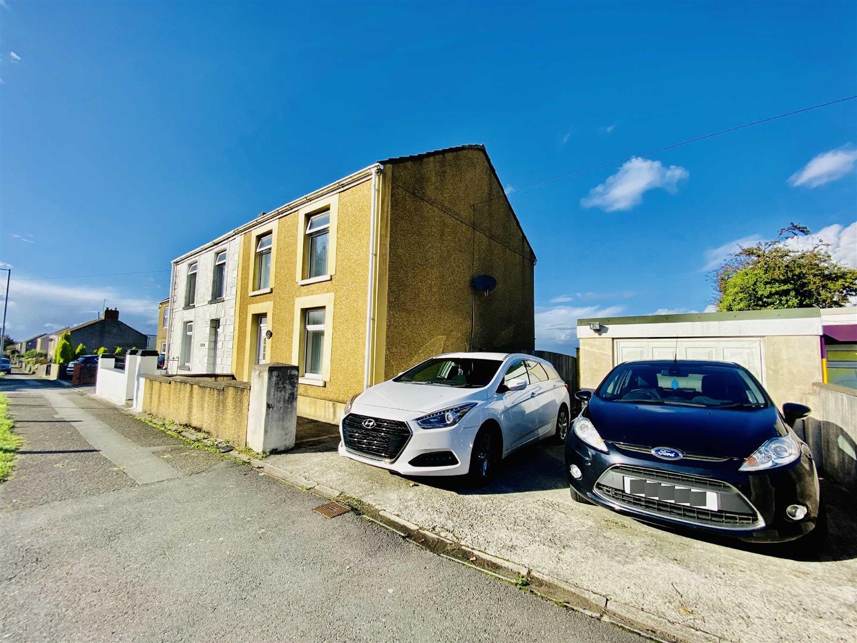 Victoria Road, Waunarlwydd, Swansea, SA5 4SX